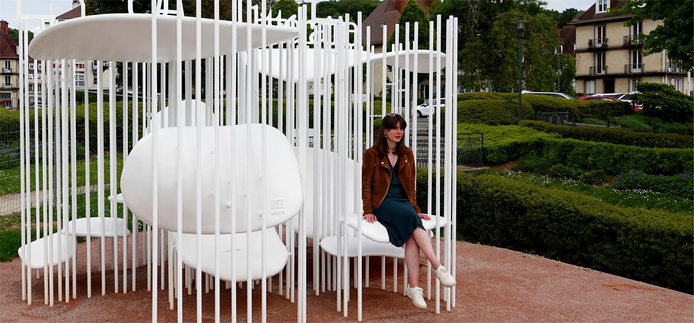 Un banc connecté pour lire et écouter des œuvres liées à la Seine